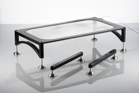 H401-GLASS-TABLE_480x320.JPG